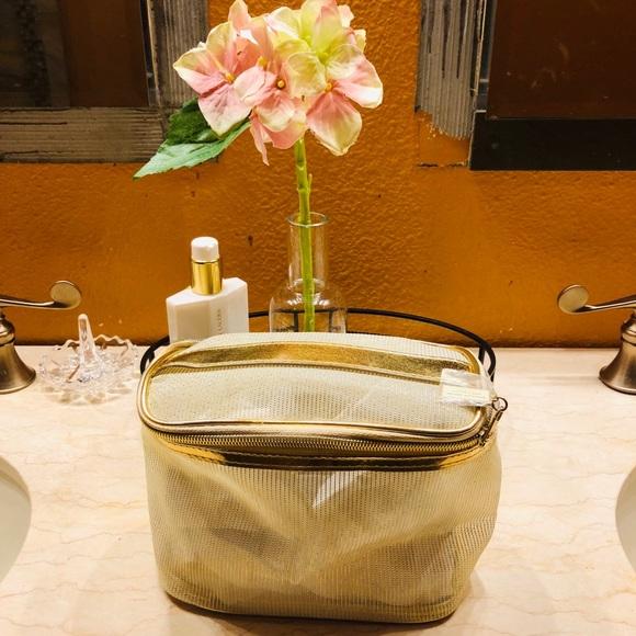 Givenchy Handbags - Givenchy Dahlia Divine